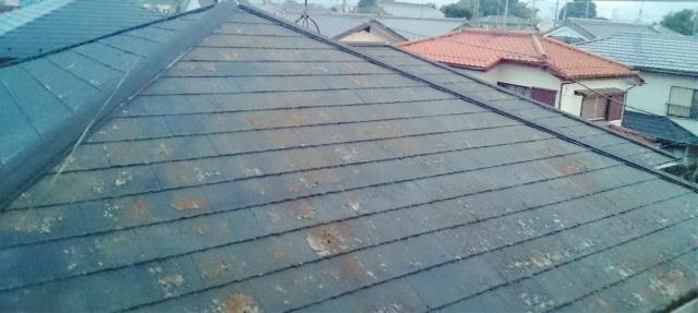雨漏りのリスクが高い経年劣化したカラーベスト