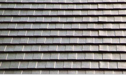 屋根勾配に注意が必要な横葺きのガルバニウム鋼板