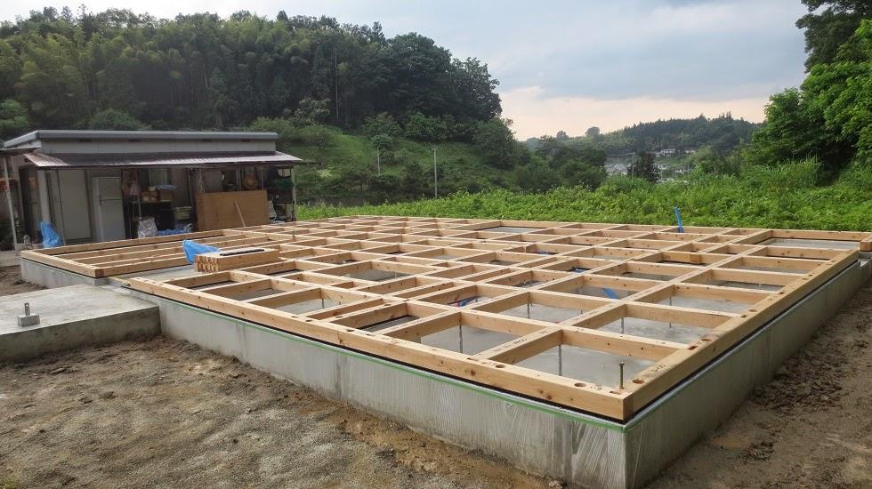 剛床工法の床組み