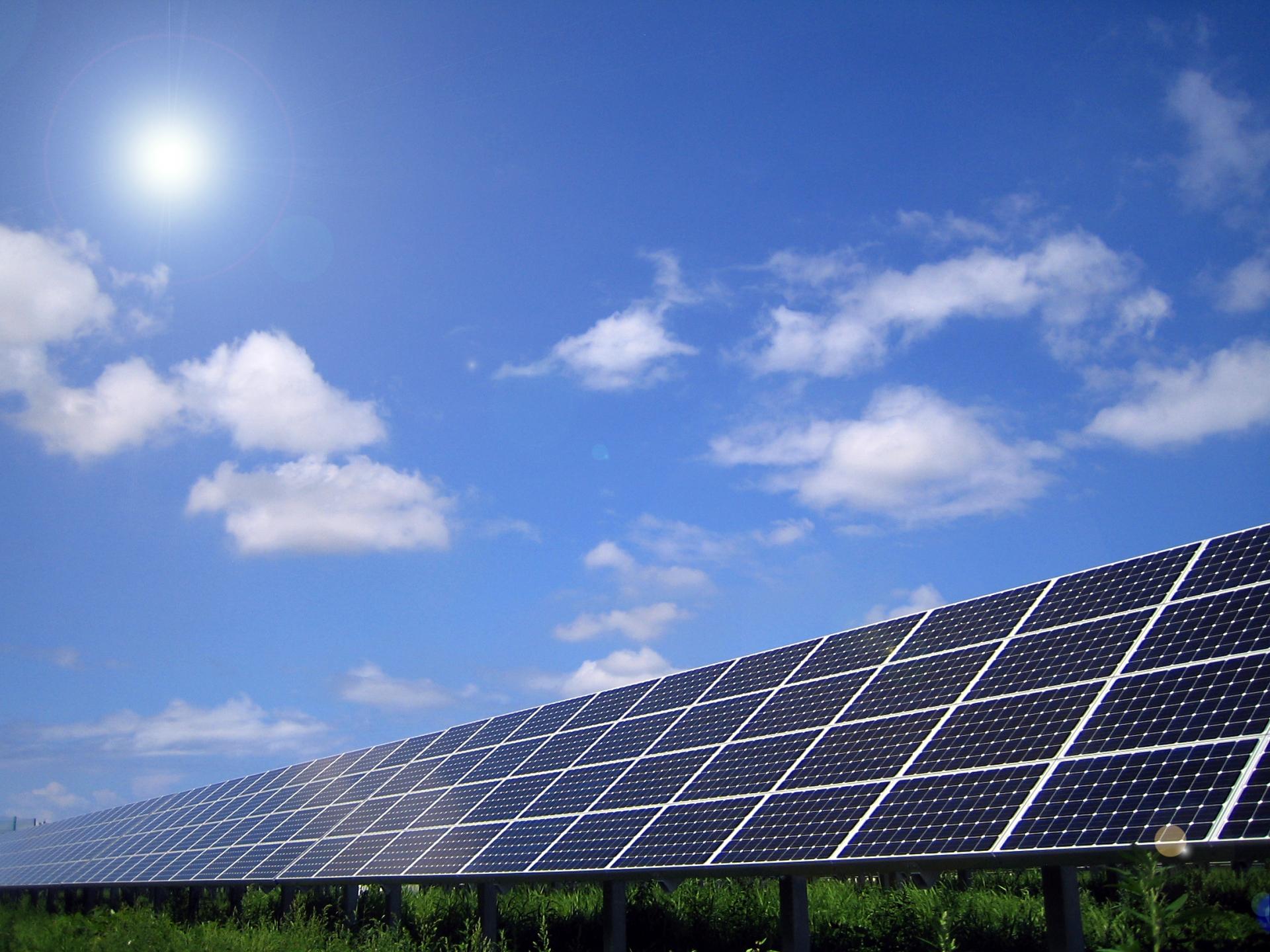 選び方を間違えると多額のメンテナンス費用がかかる太陽光発電システム