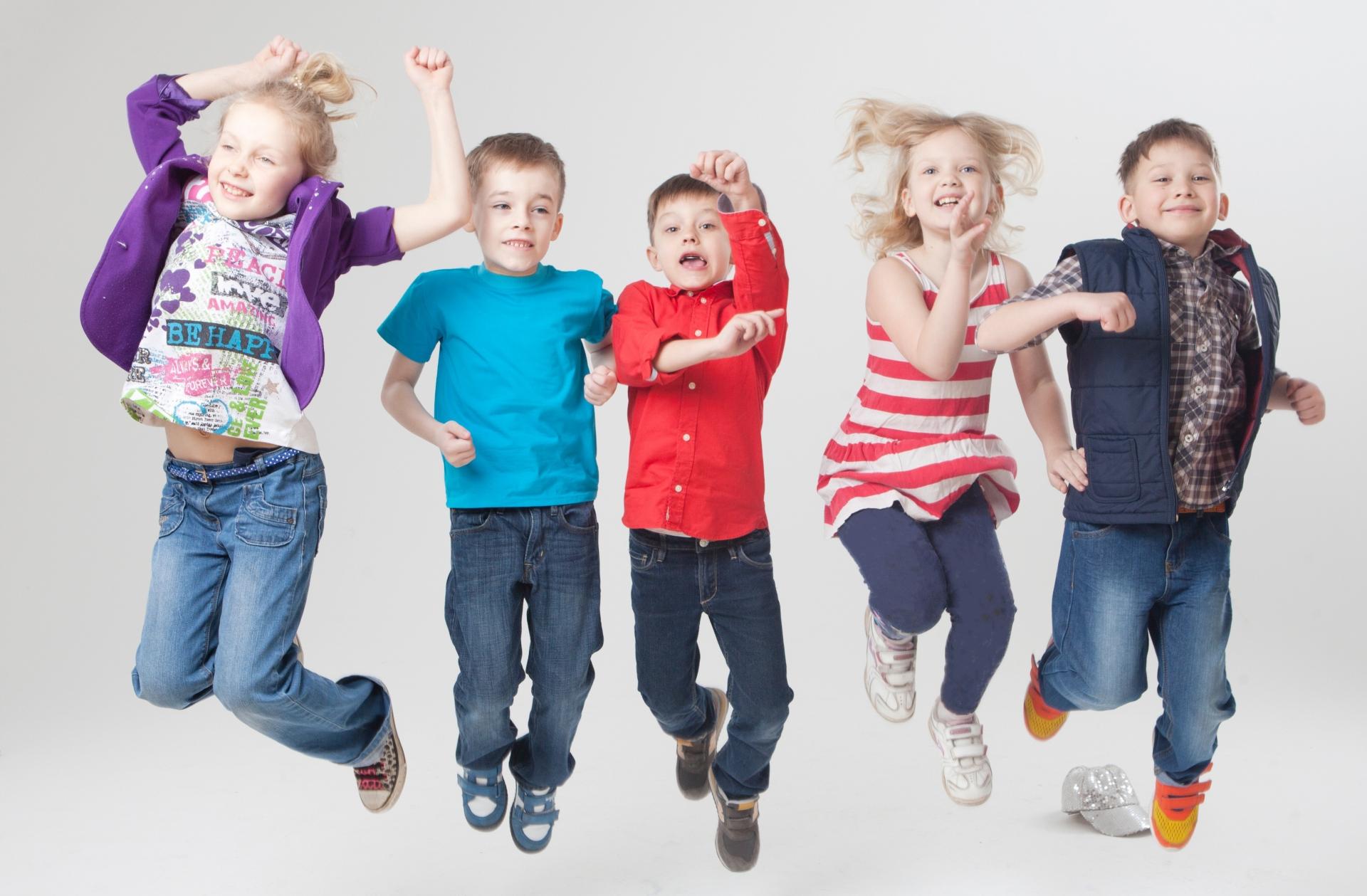 戸建なら、子ども達が自由に我慢することなく走り回ることができる