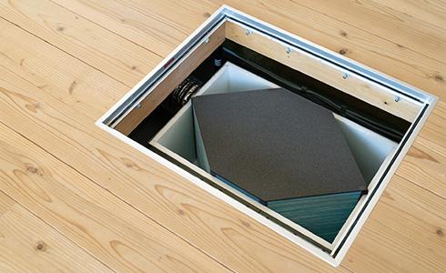 理想的な換気システムの設置位置は床下点検口の真下