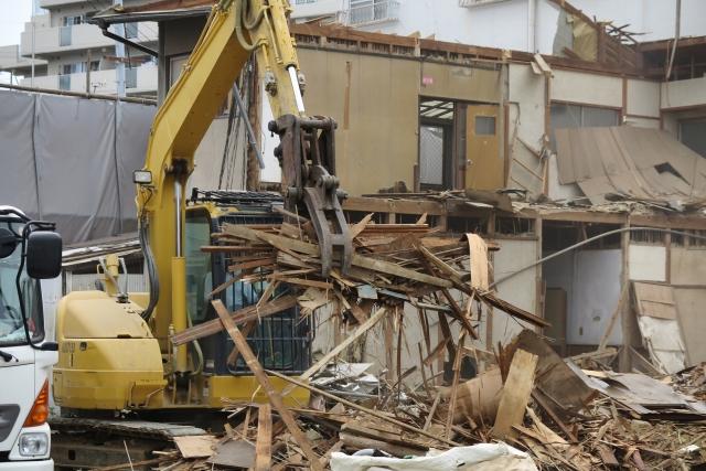 植栽や石段などの処分費用が高い解体工事費